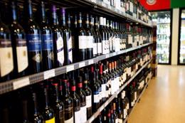 LIQUOR STORE, TAKING $14,000, SOUTH EASTERN SUBURBS, POA, REF 6569