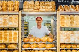 Bakery franchise opportunity, with average weekly sales approx. $11,900