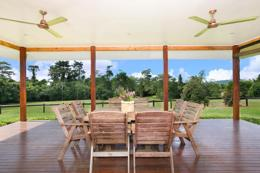Tropical Life style - 43 acres with 4 bed house