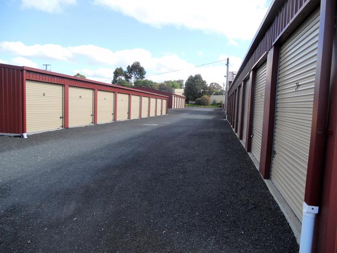 tasmanian-freehold-self-storage-8-5-acres-executive-home-1-990-000-o-o-4-000-p-8