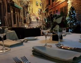Refined Italian dishes in a smart harbourside locale