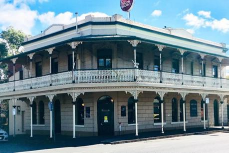 Grand Old 2 Storey Pub Located in Kyneton | Escape the City | Enquire Now!