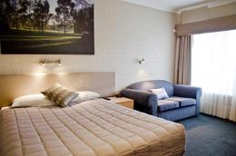 MOTEL LEASEHOLD FOR SALE - LARGE ROOMS - DELIGHTFUL INSPECTION