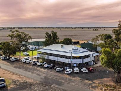 Freehold Hotel for Sale - Armatree Hotel, Armatree