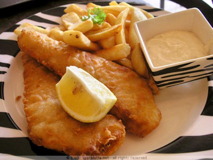 fish-amp-chips-fitzory-4049294-0