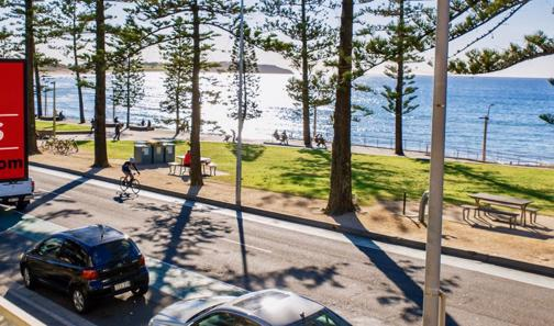 Iconic Bar Restaurant. Prime beachside location, Dee Why.