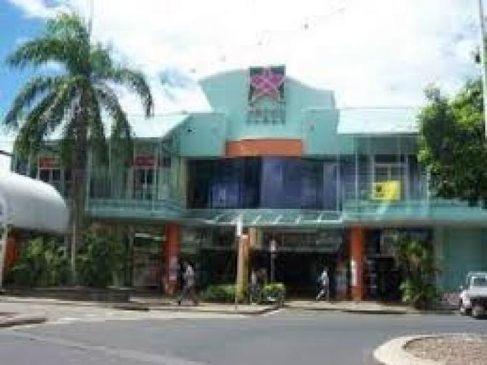 hong-kong-seafood-restaurant-in-major-cairns-shopping-centre-0