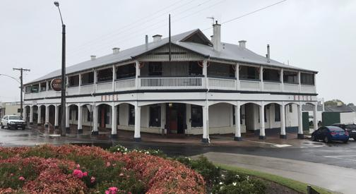 East Gippsland Accommodation Hotel/ Restaurant/ Tavern Complex Freehold & Busine