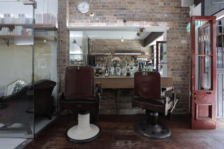 19026 Barber / Hairdresser/Cafe -ABSOLUTE BARGAIN!