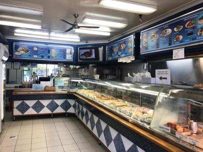 Fish & Chip Shop with Chicken & Burgers REFZ2282