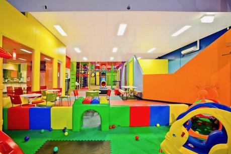 Entertainment Complex With Laser, Golf & Play Centre