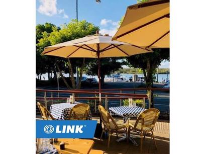 Restaurant by the Noosa River