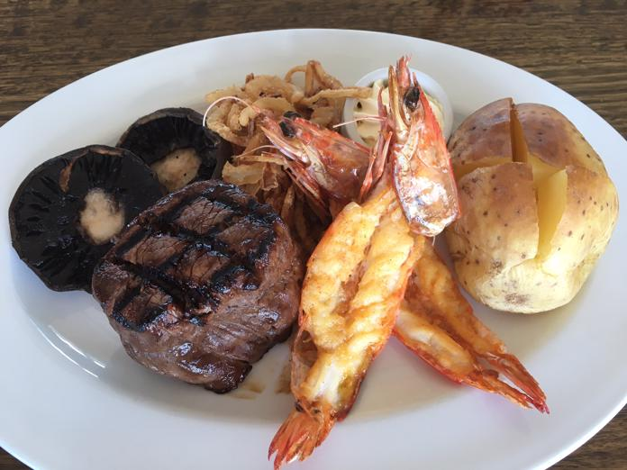 restaurant-steakhouses-kellys-bar-and-grill-4