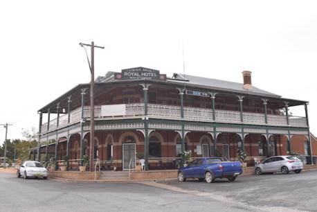 Freehold Country Hotel in the Riverina Region  Mirrool, South-West NSW