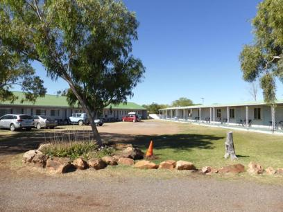 Iconic Aussie Outback Pub/Roadhouse - Renner Springs Desert Inn, NT