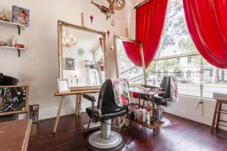 Carlton Business + House! Hairdressing & Waxing Salon 3BR Upstairs