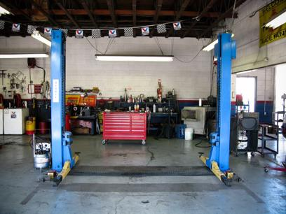 auto-shop-big-clean-bright-and-great-prominent-location-3