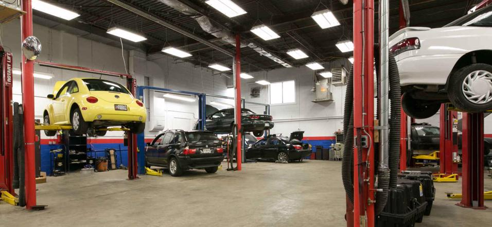 auto-shop-big-clean-bright-and-great-prominent-location-0